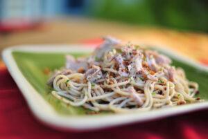 Espaguetis con bonito