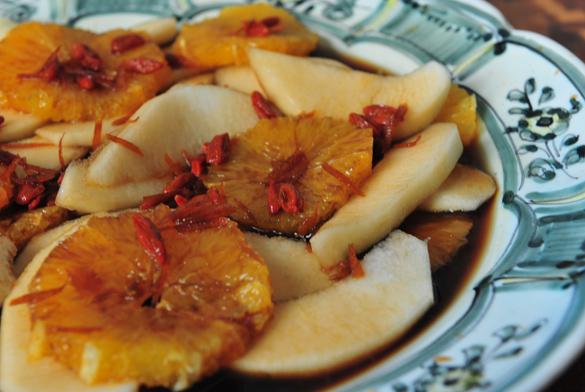 Naranjas y peras caramelizadas